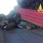 Si ribalda trattore, muore 24enne nel Catanzarese