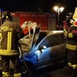Lamezia: a fuoco nella notte un auto su Corso Eroi di Sapri
