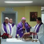 Lamezia, vescovo Schillaci celebra messa al reparto Oncologia ospedale