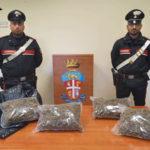 Droga: 2 kg di marijuana in auto, arrestato a Bovalino