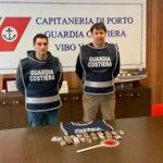 Droga: Guardia Costiera sequestra a Pizzo Calabro 1 kg hashish
