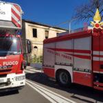 Incendi: a fuoco casolare abbandonato a Catanzaro