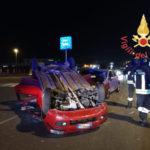 Lamezia: scontro tra due vetture in via del Progresso, tre feriti
