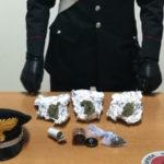 Droga: trovato con marijuana in macchina e a casa, arrestato