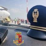 Documenti falsi in aeroporto a Lamezia, arresto coppia albanesi
