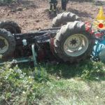 Si ribalta trattore, morto 40enne a Lamezia Terme