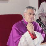 Lamezia, i parroci del Carmine danno gli auguri al vescovo per onomastico
