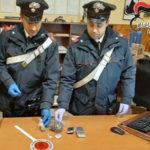 Droga a domicilio, carabinieri Casal del Manco denunciano 39enne