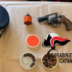 Trovato con un'arma clandestina, arrestato