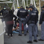 Catanzaro: Polizia di Stato salva un ragazzo aspirante suicida
