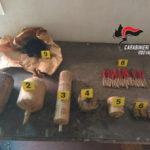 Trenta chili di esplosivo in un casolare, denuncia nel Vibonese