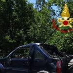 Incidenti: auto si ribalta sulla provinciale 26, due feriti