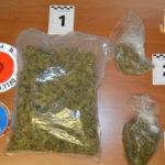 Nascondeva droga sotto il giubbino: la Polizia di Stato arresta una donna