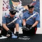 Trovato con una pistola e 38 grammi di eroina, arrestato