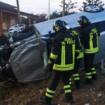 Incidenti: scontro tra due auto nel crotonese, tre feriti