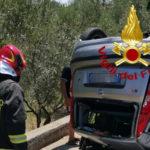 Lamezia: auto si ribalta sulla provinciale 99 a S. Eufemia Vertere