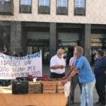 Mercato davanti al Comune di Cosenza per protesta
