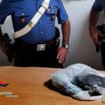 Scambio di mezzo chilo di marijuana: arrestati due italiani dai Cc