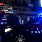 Picchiava la madre e la sorella da anni, arrestato 19enne dai carabinieri