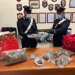 Spacciatori maldestri arrestati dai carabinieri a 200 metri dalla Caserma