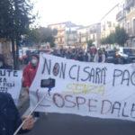 """""""La marcia della mamme"""": in 250 a manifestazione pro ospedale a Soveria"""