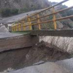 Maltempo: crolla ponte nel crotonese, nessun ferito
