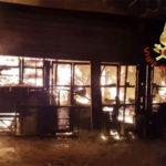 Incendio deposito a Chiaravalle Centrale, intervengono Vigili del Fuoco