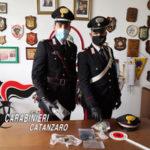 Sellia Marina: Contrasto spaccio sostanze stupefacenti: arresto dei carabinieri