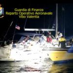 Migranti: a Crotone barca a vela con 67 a bordo, 2 fermi