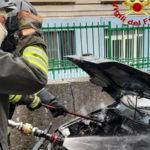 Incendio auto sulla provinciale 25 in località Janò