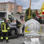 Incidente stradale a Crotone due auto coinvolte