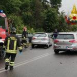 Incidenti stradali scontro tra due auto ferito un bimbo